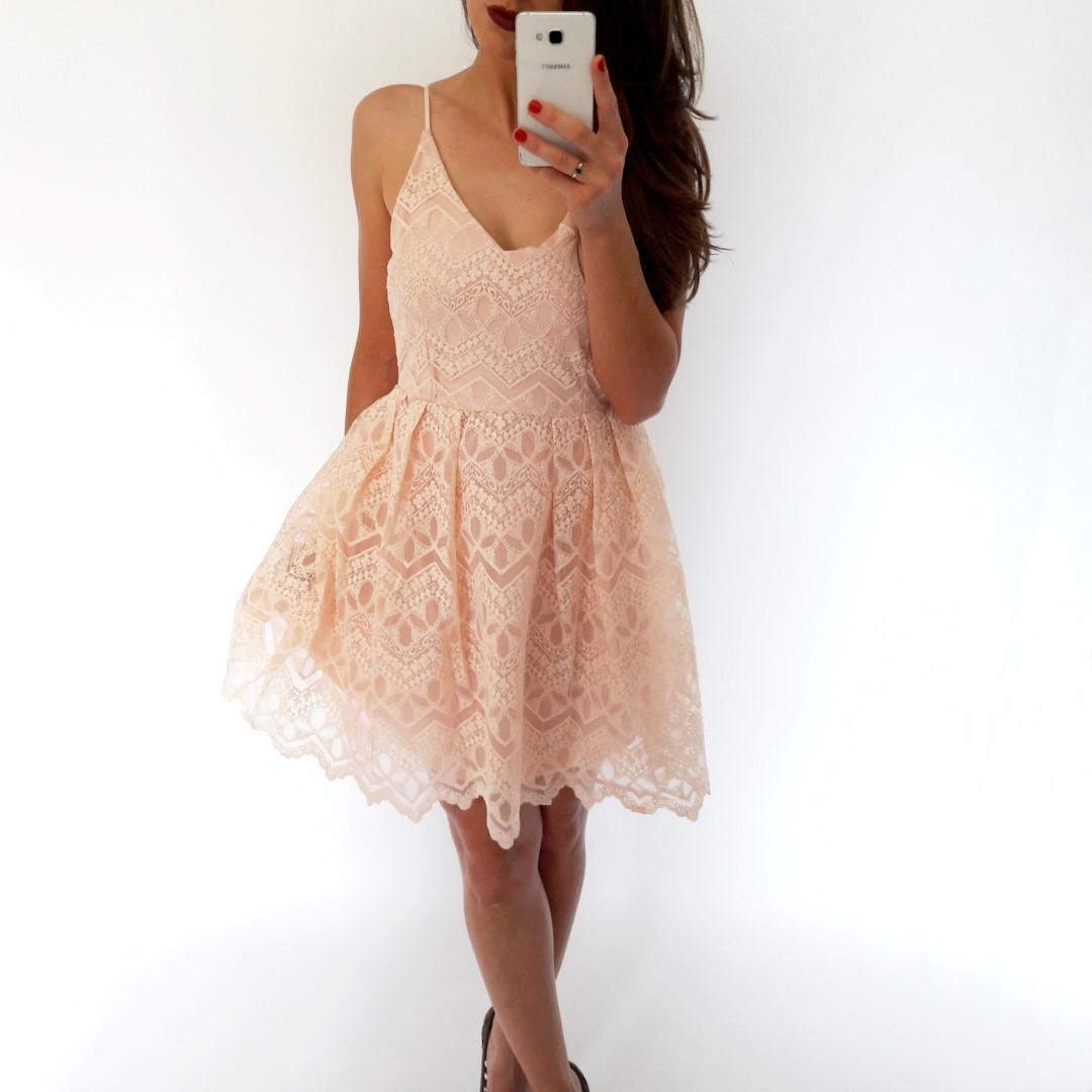 530d1a5750 ... sukienka-koronkowa-mini-na-ramiaczkach-pudrowy-roz ...