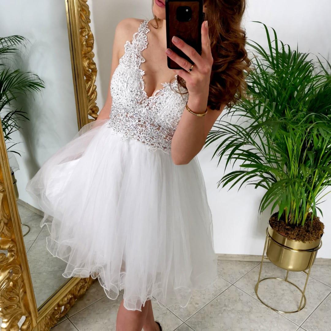 Biała sukienka tiulowa z cyrkoniami, na cienkich ramiączkach