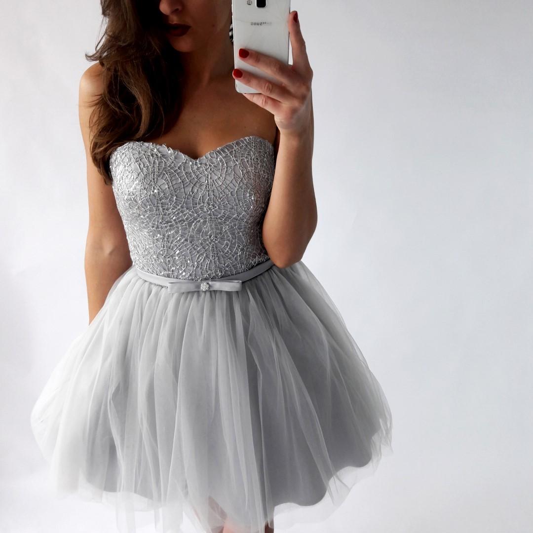 b54cf9c542 Sukienka wieczorowa w kolorze srebrno-szarym - LILITH sklep